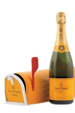 Picture of CHAMPAGNE VEUVE CLICQUOT MAIL BOX 750ML